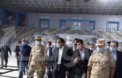 صورة رئيس الوزراء يتفقد التشطيبات النهائية للصالة المغطاة بمدينة ٦ أكتوبر استعدادا لكأس العالم لليد