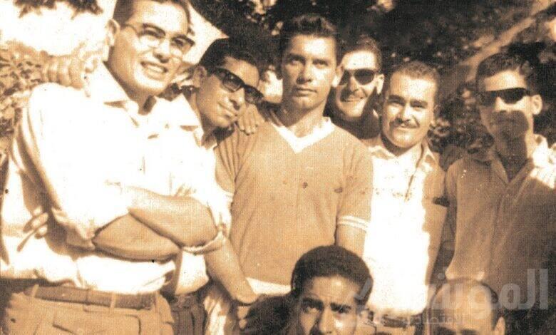 صالح سليم مع بعض العاملين بنادي البنك الأهلي المصري منهم فكري نصر وعبد الرحمن الذهبي في السبعينيات