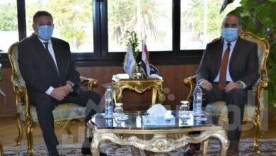 """صورة وزيرا قطاع الأعمال والطيران يبحثان إقامة مشروع سياحي بأرض """"رأس جميلة"""" بشرم الشيخ"""