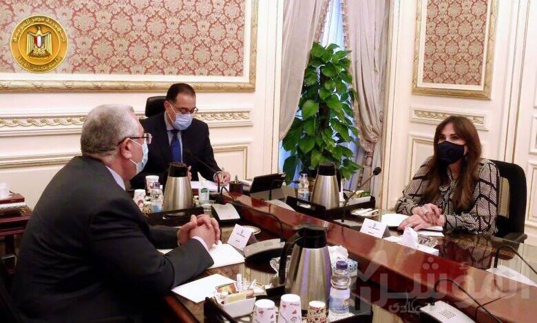 رئيس الوزراء يعقد اجتماعا مع وزير الزراعة
