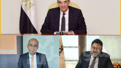"""صورة """" طلعت """" يشهد توقيع """"المصرية للاتصالات"""" و """"أورنچ مصر"""" عددًا من الاتفاقيات التجارية"""