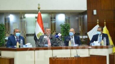 صورة وزير قطاع الأعمال العام يشهد توقيع عقد استضافة البيانات والحوسبة السحابية للشركات التابعة ضمن مشروع التحول الرقمي