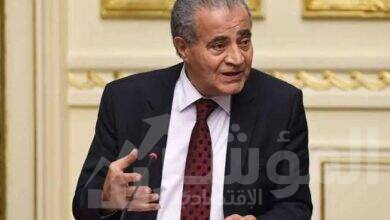 صورة شركتى الجملة المصرية والعامة :ضخ 5000 طن سكر لمنافذ صرف السلع التموينية يومياً