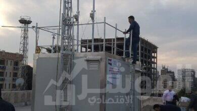 صورة تركيب أول محطة رصد لحظية متكاملة لرصد ملوثات الهواء المحيط بحى الشرق بمحافظة بورسعيد
