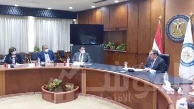 صورة وزير البترول يستقبل وفد لجنة التعدين بغرفة التجارة الأمريكية