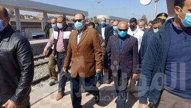 صورة محافظ أسيوط يستقبل وزير النقل بمحطة ديروط لتفقد أعمال تنفيذ مشروع محور ديروط الحر