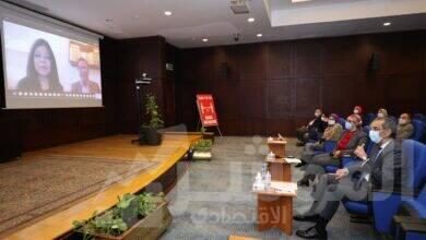 صورة وزير الإتصالات يلتقى بعدد من رواد العمل الحر بمراكز إبداع مصر الرقمية فى المحافظات