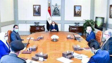 """صورة السيسي يستعرض """"جهود تطوير منظومة التغذية المدرسية"""" مع رئيس الوزراء وعددا من المسئولين"""