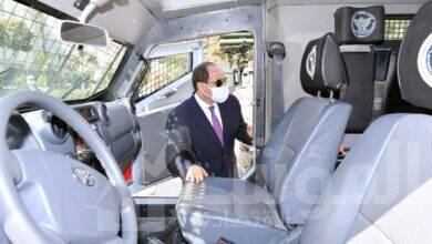 صورة السيسييتفقد عدد من النماذج للمركبات المدرعة بعد تطويرها بواسطة إدارة المركبات بالقوات المسلحة