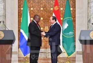 صورة الرئيس يستعرض الاستعدادات الجارية للقمة الأفريقية السنوية المقبلة