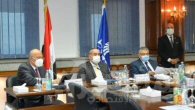 صورة وزير الطيران المدني يترأس اجتماع اللجنة العليا للسلامة بمصرللطيران في دورتها العاشرة