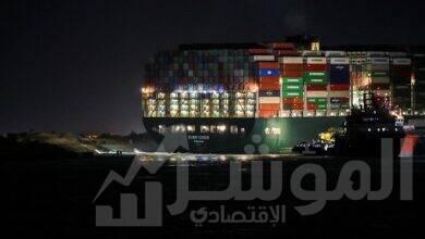 صورة بدء تعويم سفينة الحاويات البنميةEVER GIVENبنجاح