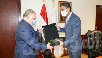 صورة رئيس البريد المصري يستقبل ممثل المفوضية السامية للأمم المتحدة لشئون اللاجئين