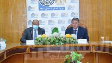 صورة وزيرا قطاع الأعمال والتنمية المحلية يناقشان مع 4 محافظين الأماكن المقترحة لمحطات شحن السيارات الكهربائية