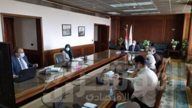 صورة وزير الرى يستعرض نتائج تأهيل الترع