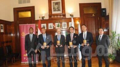 صورة توقيع اتفاقية تمويل بين جايكا ومؤسسة سوميتومو ميتسوي المصرفية وبنك مصر