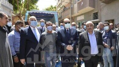 """صورة محافظ  أسيوط يتقدم الجنازة العسكرية للشهيد العميد """"محمد سيد عمار زناتي"""""""
