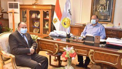 صورة محافظ أسيوط يلتقي نائب رئيس جامعة الأزهر التعاون في المشروعات القومية