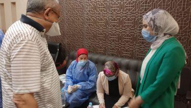 صورة وكيل لجنة الخطة والموازنة بالنواب يتابع حملة تلقيح المواطنين ضد فيروس كورونا