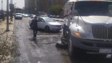 صورة محافظ أسيوط يوجه باستمرار حملات نظافة وغسل الأرصفة والشوارع والميادين