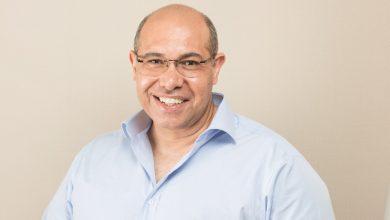 صورة رائد الأعمال المصري حاتم قنديل يسعي إلى دخول موسوعة جينيس بالتزامن مع إطلاق أضخم حملة للتوعية بمنظومة التأمين الصحي الشامل