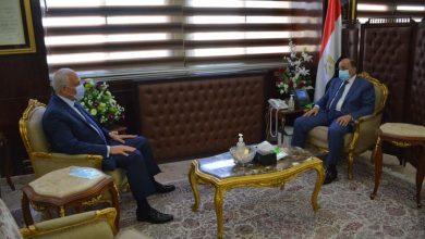 صورة وزير التنمية المحلية يتابع مع محافظ الجيزة تنفيذ المشروعات التنموية والخدمية ومشروعات تطوير الريف المصري