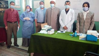 صورة تطعيم المراقبين على الامتحانات بلقاح كورونا بالمنطقة الأزهرية بأسيوط