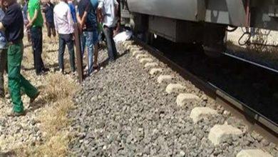 صورة مصرع مجند أسفل عجلات قطار في أسيوط