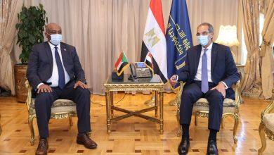 صورة وزير الإتصالات يستقبل نظيره السودانى لتعزيز التعاون بين البلدين في مجال الاتصالات وتكنولوجيا المعلومات