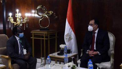صورة رئيس الوزراء يلتقى وزير الاستثمار والتعاون الدولى بجمهورية السودان