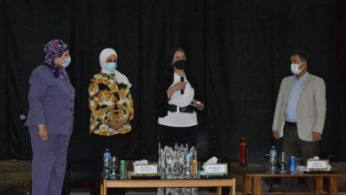 صورة نائب رئيس جامعة أسيوط: التطعيم باللقاح المضاد لفيروسكورونا ضمان سلامة الأفراد