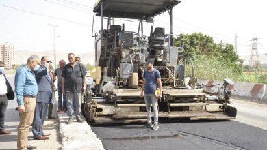 صورة محافظ أسيوط يتفقد أعمال رصف الطريق الدائرى وتطوير شوارع حي غرب