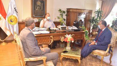 صورة محافظ أسيوط يلتقي رئيس الشركة المالية والصناعية المصرية للأسمدة