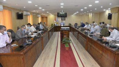 صورة محافظ أسيوط يناقش الموقف التنفيذي لمشروعات الخطة الاستثمارية