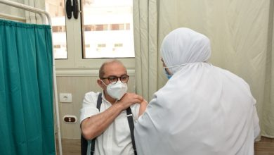 صورة جامعة أسيوط تُعلن انتهائها من تطعيم 3814 فرد بلقاح فيروس كورونا