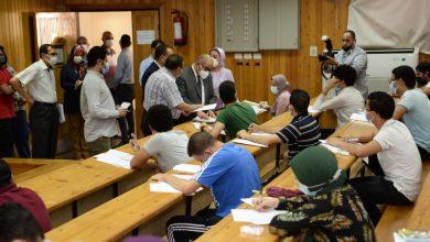 صورة رئيس جامعة أسيوط في زيارة للمستشفى البيطري التعليمي للإطمئنان على سير الإمتحانات