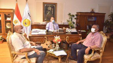 صورة محافظ أسيوط يلتقى وكيل وزارة الاسكان بالمحافظة ويشدد على تنفيذ المشروعات