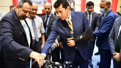 """صورة وزير الرياضة يُسلم 265 دراجة كهربائية للشباب ضمن مبادرة """"دراجتك صحتك"""""""