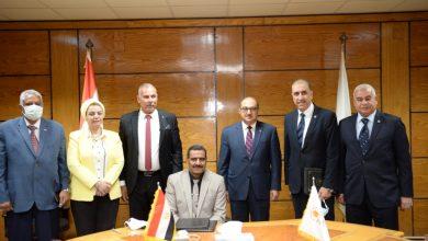 صورة جامعة أسيوط تُوقع برتوكول ثلاثي مع شركة تكرير البترول والشركة المصرية الخليجية للاستصلاح الأراضي