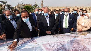 صورة رئيس الوزراء يتفقد موقع تطوير ساحة مسجد عمرو بن العاص