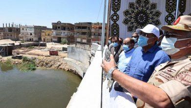 صورة مدبولى يواصل متابعة أعمال تطوير المحاور المرورية بالإسكندرية بتفقد استكمال محور المحمودية