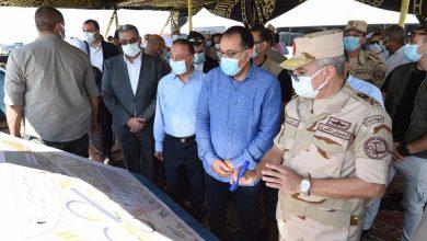 صورة رئيس الوزراء يستهل زيارته للإسكندرية بتفقد أعمال تطوير محور التعمير