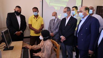 """صورة """" طلعت """"  يفتتح مركز خدمة عملاء المصرية للاتصالات بالمحافظة ومكتب بريد المحمودية بعد تطويره"""