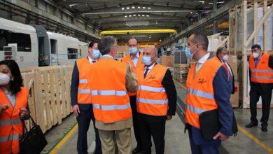 صورة وزير النقل يجتمع مع الإدارة العليا لشركة تالجو و يتفقد مصنعها بمدريد لمتابعة خطوط إنتاج القطارات