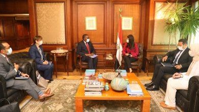 """صورة وزيرة التعاون الدولى تستعرض مع مساعد الأمين العام للأمم المتحدة الإعداد لجلسة """"تغير المناخ"""""""