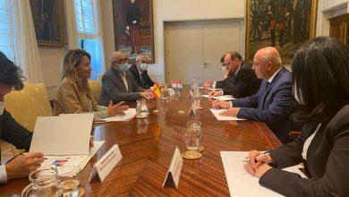 صورة وزير النقل يلتقي نظيرته الإسبانية لبحث سبل التعاون المشترك بين الجانبين