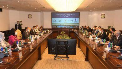 صورة وزيرا السياحة والآثار والاتصالات وتكنولوجيا المعلومات يتابعان الموقف التنفيذى لعدد من مشروعات التحول الرقمى