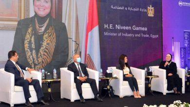 صورة نيفين جامع: دور رئيسي للقطاع الصناعي في تنفيذ المشروعات القومية الكبرى وتوفير فرص عمل امام الشباب