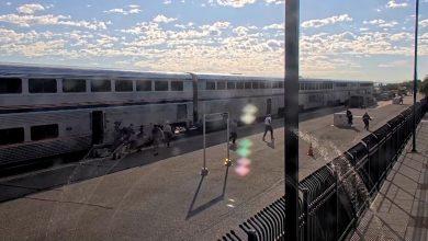 صورة بكاميرات مراقبة.. شاهد لحظات تبادل إطلاق النار بين مسلح والشرطة في قطار يعج بالركاب
