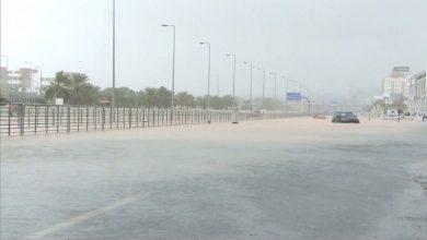 """صورة مع اتخاذ الإمارات والسعودية إجراءات احتياطية.. شاهد بعض آثار """"شاهين"""" في عُمان"""